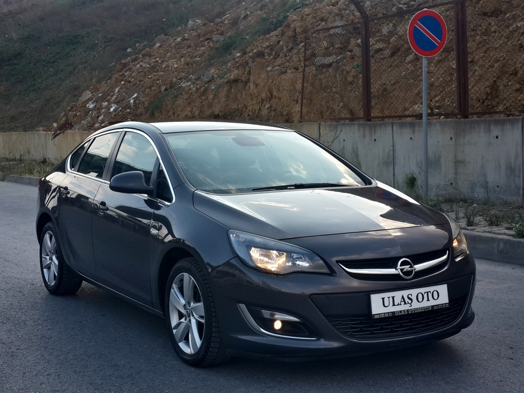 2013 opel astra sedan 1 3 d zel cdti sport full hatasiz yen kasa. Black Bedroom Furniture Sets. Home Design Ideas